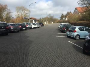 Bahnhofsimmobilie-Parkplatz